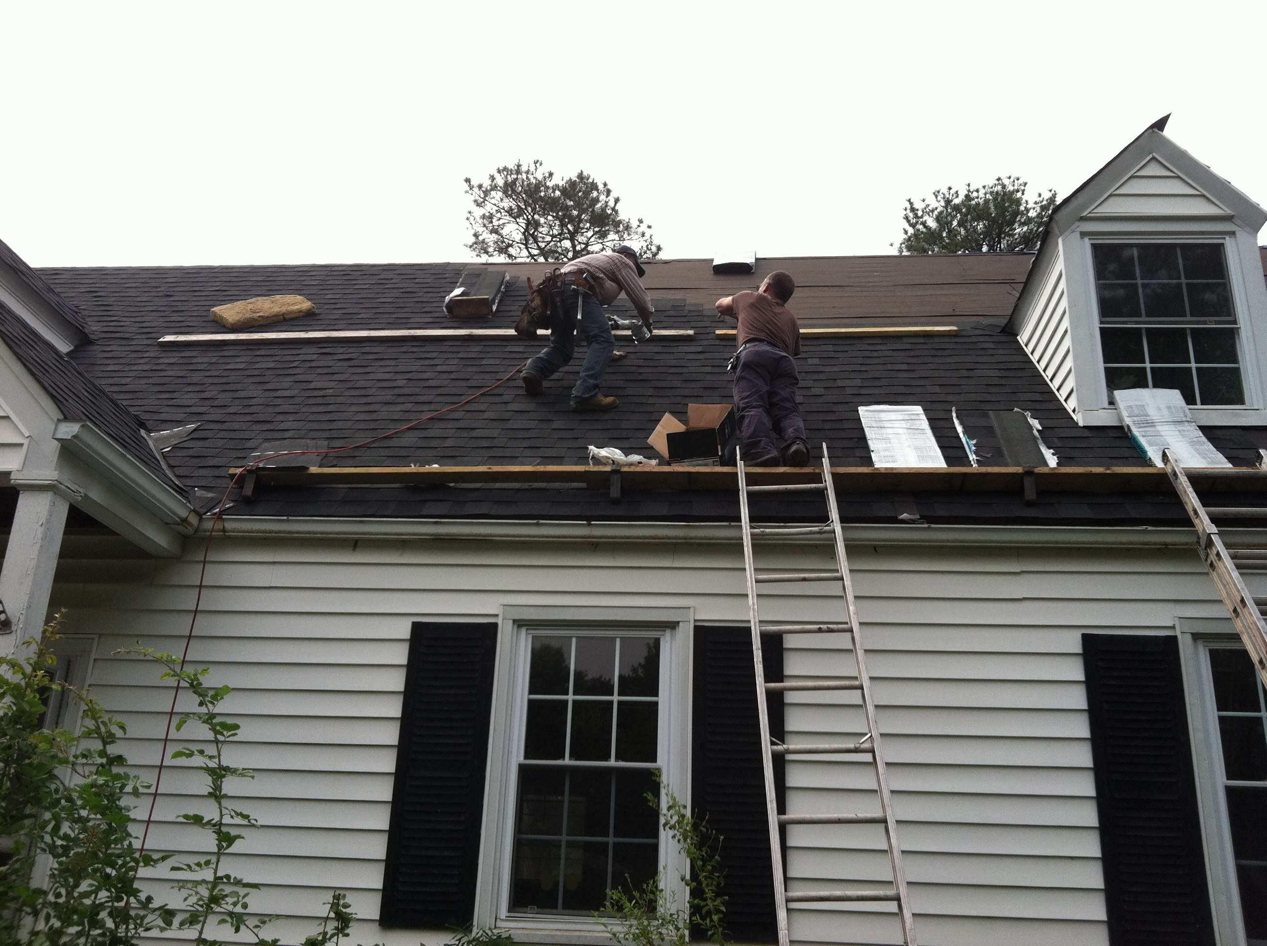 how to work on a steep roof safely
